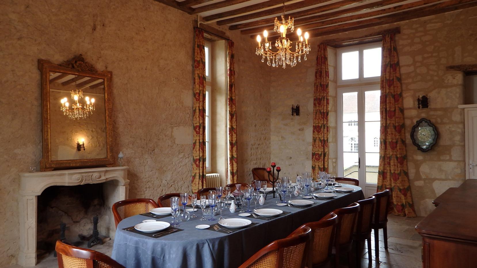Repas gastronomique en tablea d 39 h tes au ch teau normandie - La table marseillaise chateau gombert ...