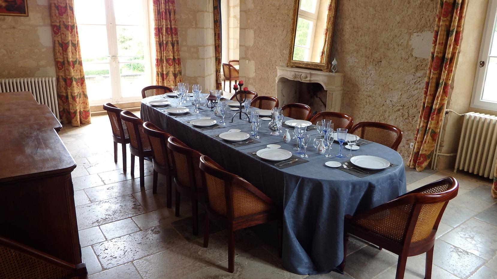 repas gastronomique en tablea d 39 h tes au ch teau normandie